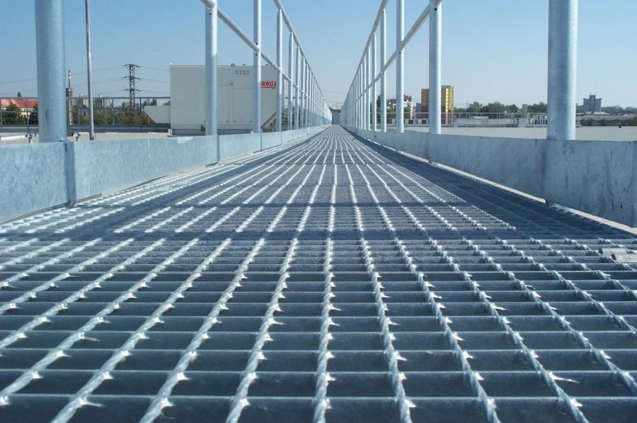 Gratarele metalice sudate prin rezistenta (SP) reprezinta elemente de pardoseala din care se pot forma: platforme, podete, utilizate in obiective industriale